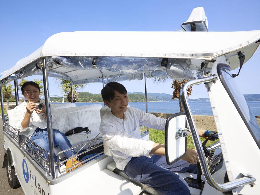 予約必須の人気アクティビティ《トゥクトゥク》で伊王島を巡ろう!