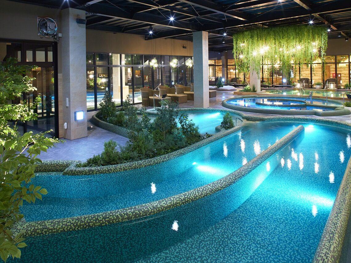 【日帰り】3つの温浴施設を湯巡り&スパテーマパークパック【岩盤浴・温泉入浴付き】